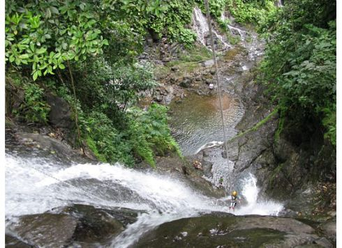 Waterfall Rappelling: Vertigo, Anyone?