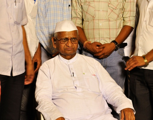 Anna Hazare on 5 April 2011 giving an interview to a TV channel. Courtesy Deepankar Raj